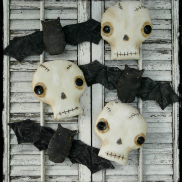 Things that go bump in the night , Skulls & bats pattern prim primitive