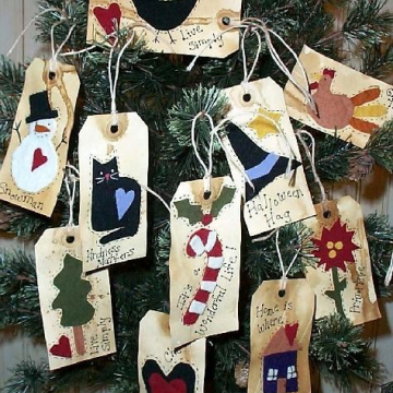 10 Primitive Holiday Tags & Ornies